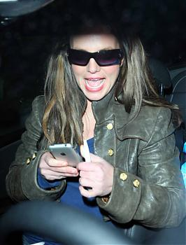 Britney Spears with iphone